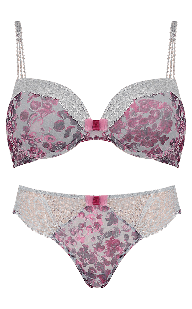 Triumph amourette find the one perfect fit you were made for for Triumph t shirt bra